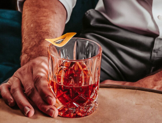 12 Cocktail Bar